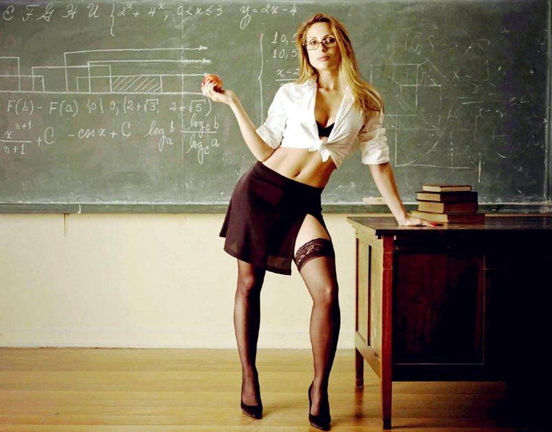 profesoara-blonda-porno