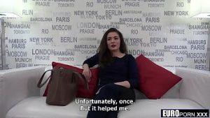 Miss Roumanie est nominée pour un casting pour l'embauche